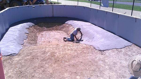 Shaping the bottom of the pool